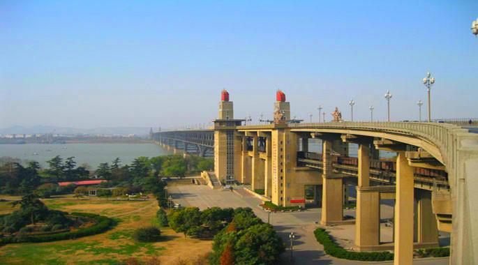 南京长江大桥将封闭大修27个月